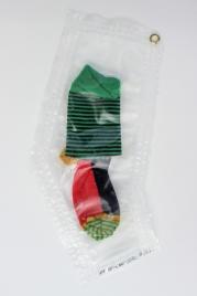"""23/34 """"""""Socke mit zwei kleinen Nieten"""", 31x18cm, Baumwolle, Wasser aus dem Tauchcontainer, Folie und Nieten"""