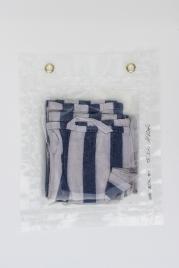 """26/34, """"Geschirrhandtuch"""", 30x25cm, Baumwolle, Wasser aus dem Tauchcontainer, Folie und Nieten"""